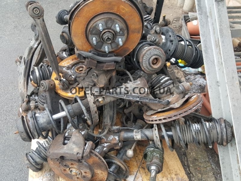 Амортизатор передний Chevrolet Cruze 344712 LH 344713 RH б/у на Опель Chevrolet Cruze