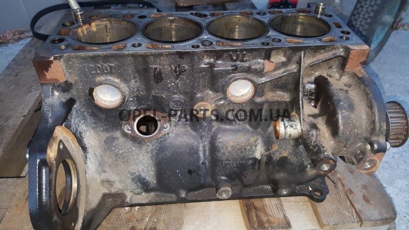 Блок двигателя Z16YNG 008061979 б/у на Опель Zafira B