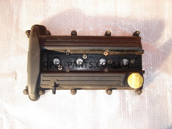 Клапанная крышка б/у на Опель Vectra C