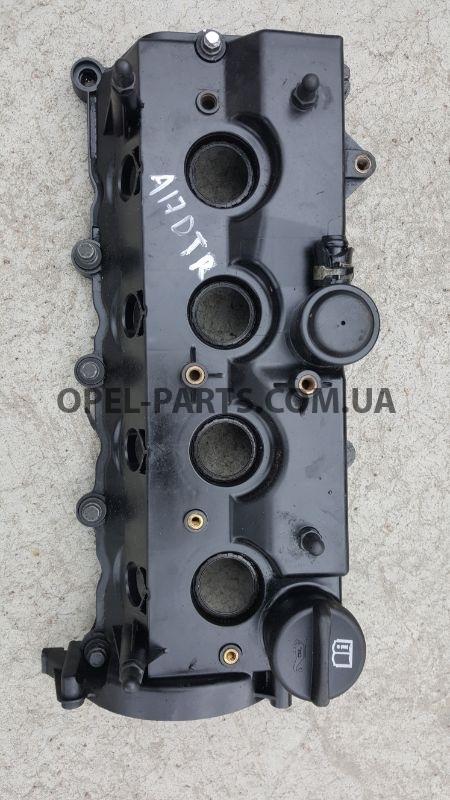 Клапанная крышка 8980011422 б/у на Опель Astra J