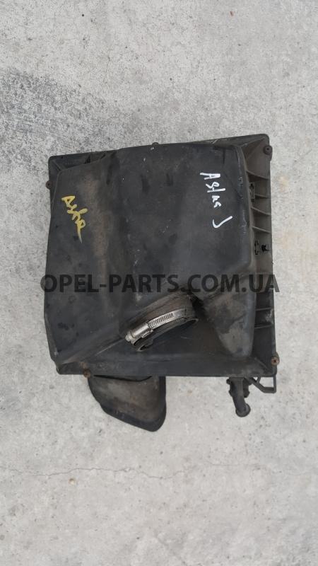 Корпус воздушного фильтра Opel Astra J 13272777 б/у на Опель Astra J