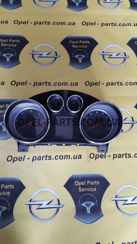 Панель приборов Opel Insignia A20DTR б/у на Опель Insignia