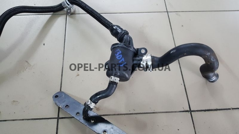 Патрубки фильтра картерных газов Opel Astra H Z13DTJ 55185372 б/у на Опель Astra H