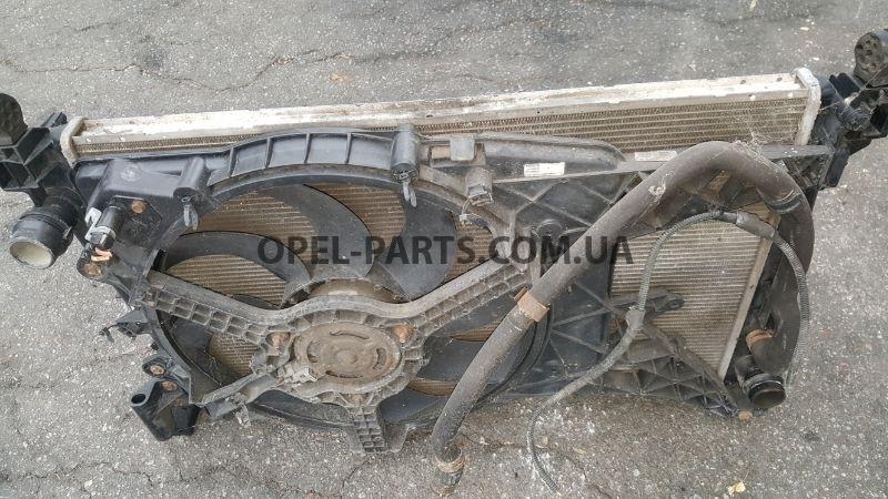 Радиатор охлаждения Opel Corsa D Z13DTH 55557933 б/у на Опель Corsa D