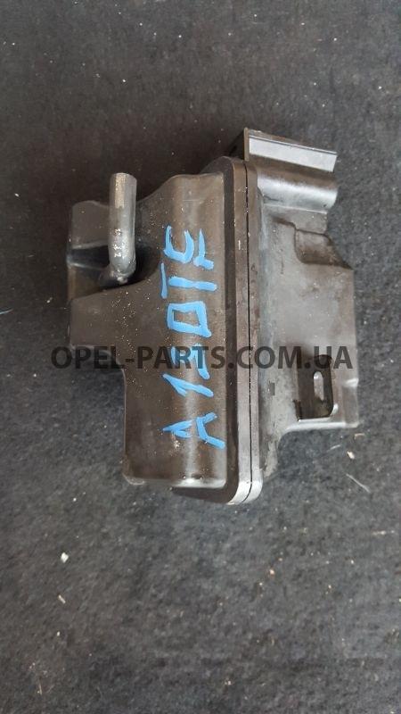 Вакуумный клапан Opel Astra J 55571341 б/у на Опель Astra J