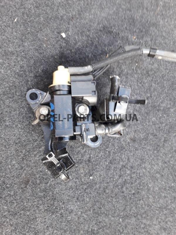 Вакуумный клапан турбины 8981056561 б/у на Опель Astra J