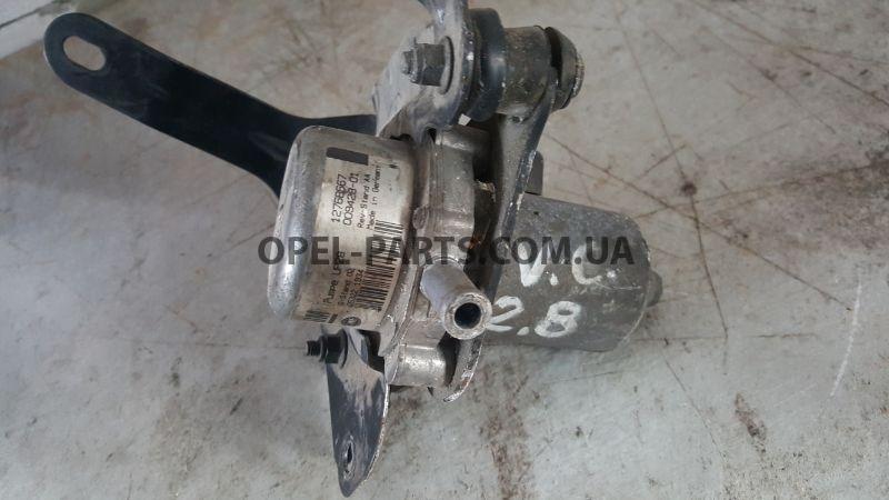 Вакуумный насос Opel Vectra C 12768667 б/у на Опель Vectra C